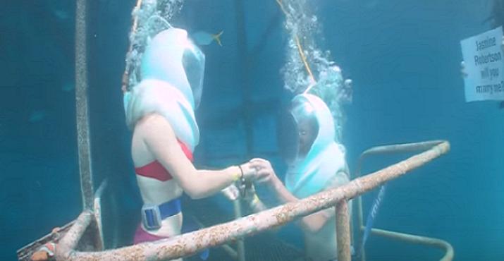 Zásnuby, aké ste ešte nevideli: Hlbokú lásku jej vyjadril v hlbinách oceánu
