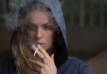Myslíš si, že fajčenie a popíjanie ťa robí viac cool? Prečítaj si toto!