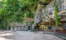 Na PREDAJ je toto očarujúce bývanie v jaskyni. Keď uvidíte interiér domu, budete sa chcieť ihneď presťahovať!