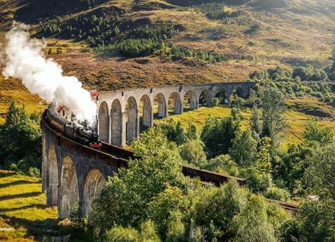 Ste fanúšikovia filmov o Harrym Potterovi? Tieto miesta môžete navštíviť ešte aj dnes