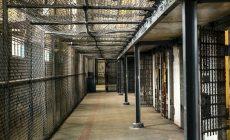Utieklo viac ako 400 väzňov! Využili napätú situáciu v krajine
