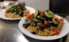Prvé každodenné vegánske stravovanie na Slovensku! Jedálen Venza rozbehla projekt Neposlušné varenie, v rámci ktorého študentom aj neštudentom ponúka rastlinnú stravu