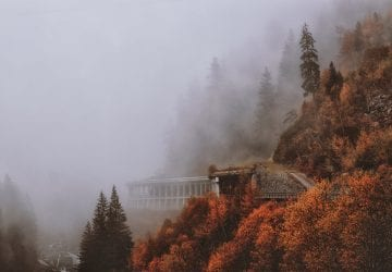Muž nakrútil dronom zábery jesennej krajiny, ktorá sa skutočne vyfarbila