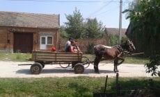 Nechajte sa učiť dedinčami z Rumunska, dajú vám vzácny príklad do života