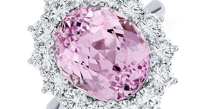 Ružové diamanty dobývajú dražby, tvoria pritom menej než 0,1 percenta