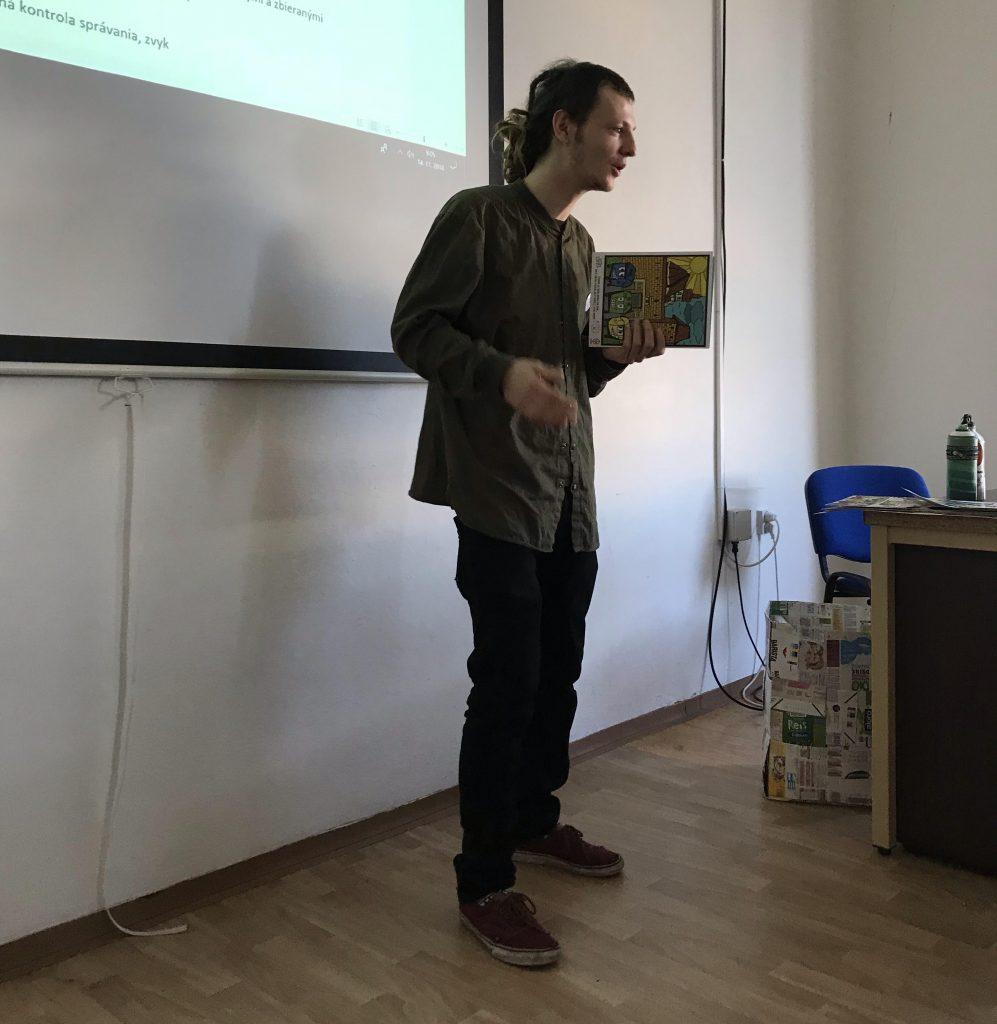 Jakub na prednáške na FMK. Zdroj: Dominika Jászaiová