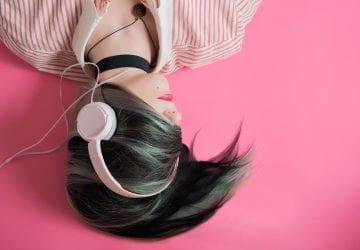 Neurológovia radia: presne táto pieseň vám zníži stres o 65 %