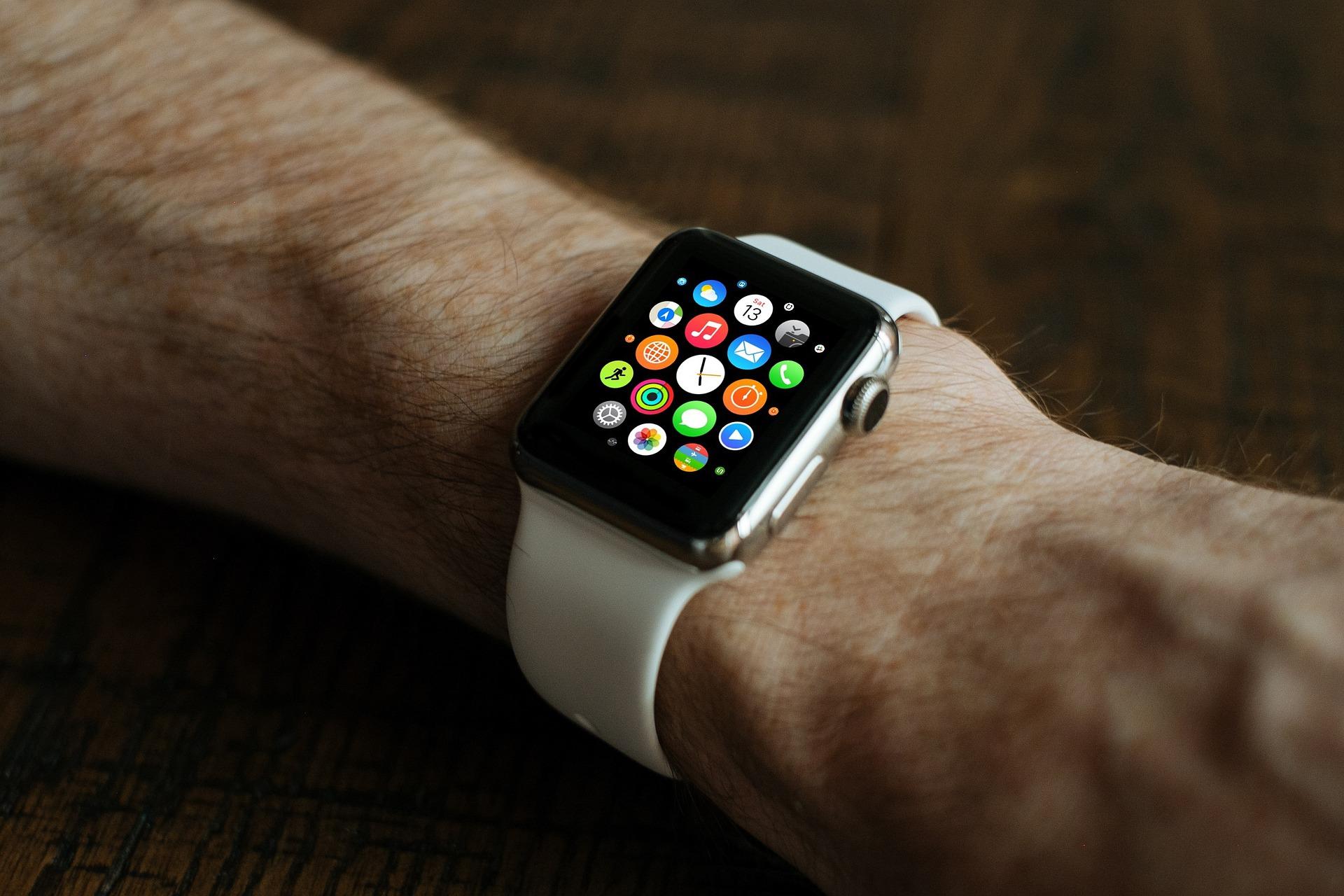 Apple hodinky môžu obsahovať technológiu na meranie EKG.