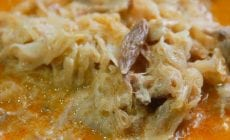 Recept na chutný segedínsky guláš rýchlo a jednoducho: Česká gazdinka mala lenivý deň. Prekvapí vás, čím ho zahustila