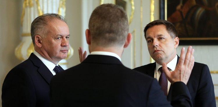Rekordman medzi ministrami financií Kažimír oficiálne skončil