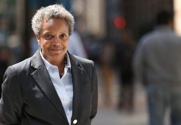 Je lesbička a prvá afroamerická starostka Chicaga. Lori Lightfoot získala viac ako 70 % hlasov