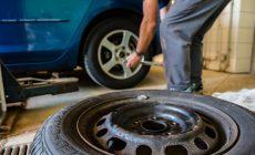 Prezuť pneumatiky na aute nestačí, toto je správna jarná údržba!