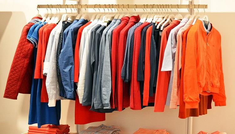 Upcyklácia oblečenia – vyčaríte niečo nové a prispejete k záchrane planéty