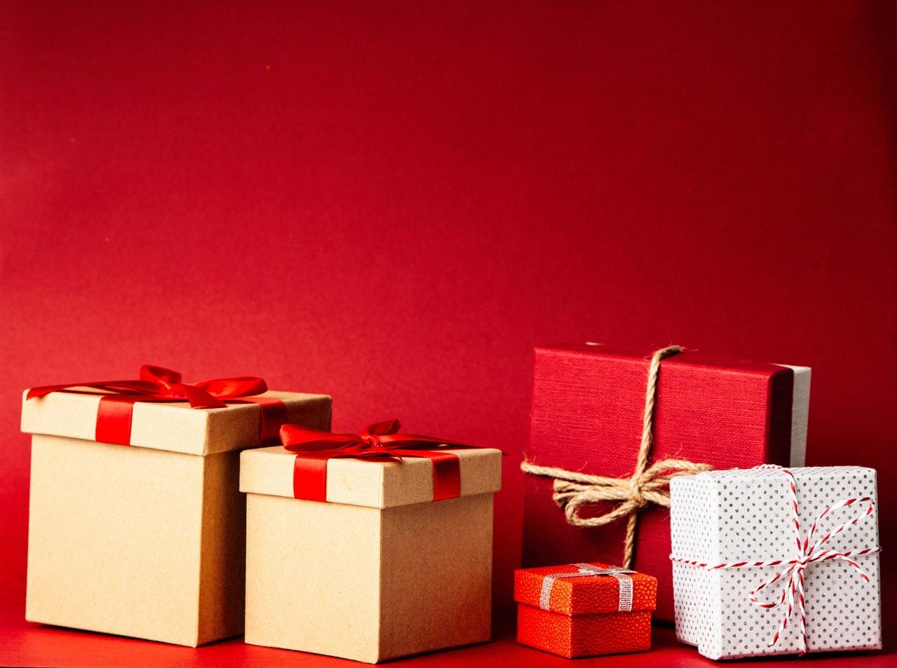 Ani groš si si na darčeky neodložil? Ej, ty! Tu máš tipy na lacné darčeky